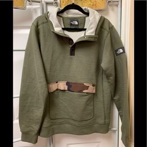 NWOT North Face Hoodie/Sweatshirt